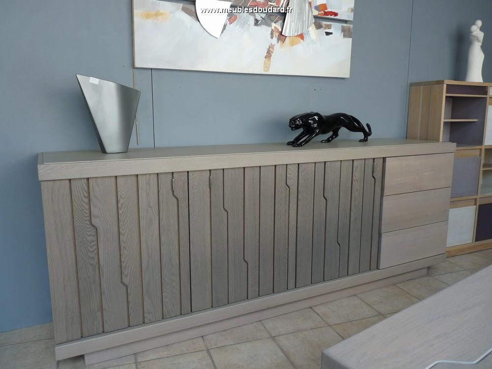 bahut moderne en ch ne gris. Black Bedroom Furniture Sets. Home Design Ideas