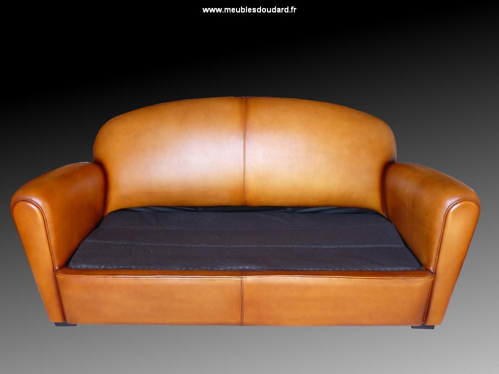 canap cuir convertible canap club lit canap lit de 140 cm. Black Bedroom Furniture Sets. Home Design Ideas