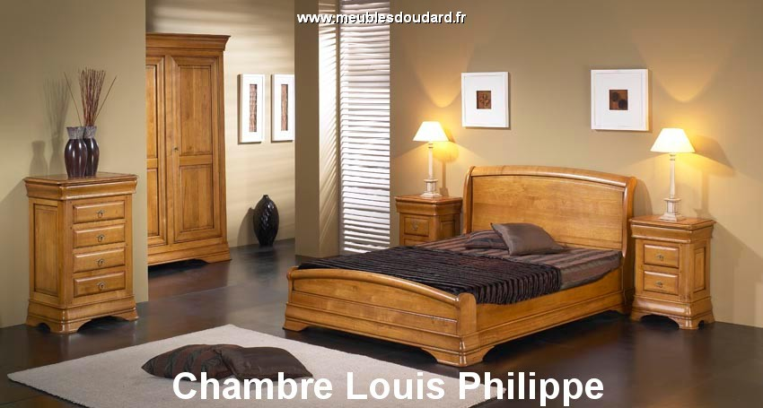 chambre louis philippe en bois massif. Black Bedroom Furniture Sets. Home Design Ideas
