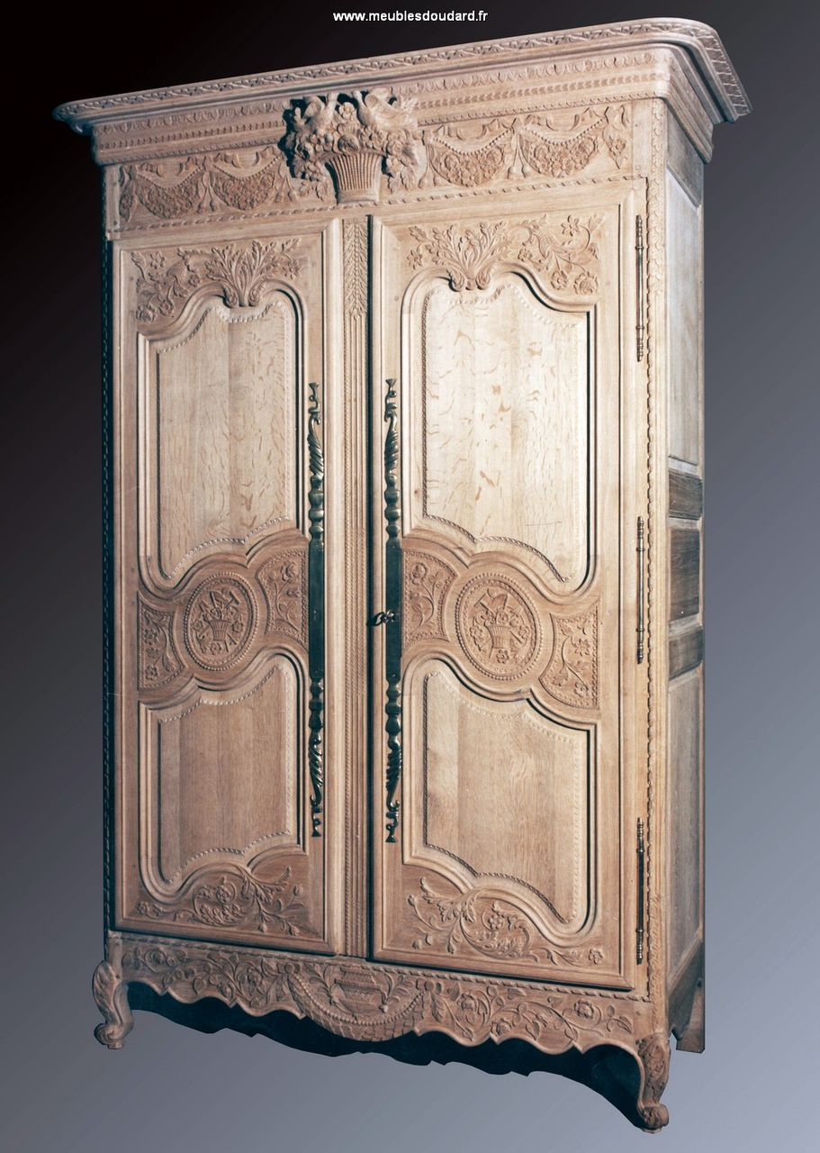 armoire normande de bayeux armoire de normandie armoire en ch ne massif de mariage armoire. Black Bedroom Furniture Sets. Home Design Ideas