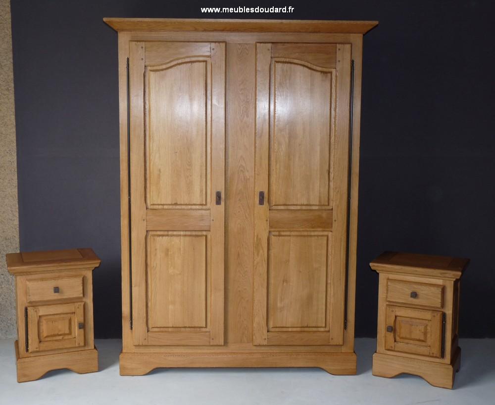 armoire en bois massif armoire de normandie armoire en ch ne rustique. Black Bedroom Furniture Sets. Home Design Ideas
