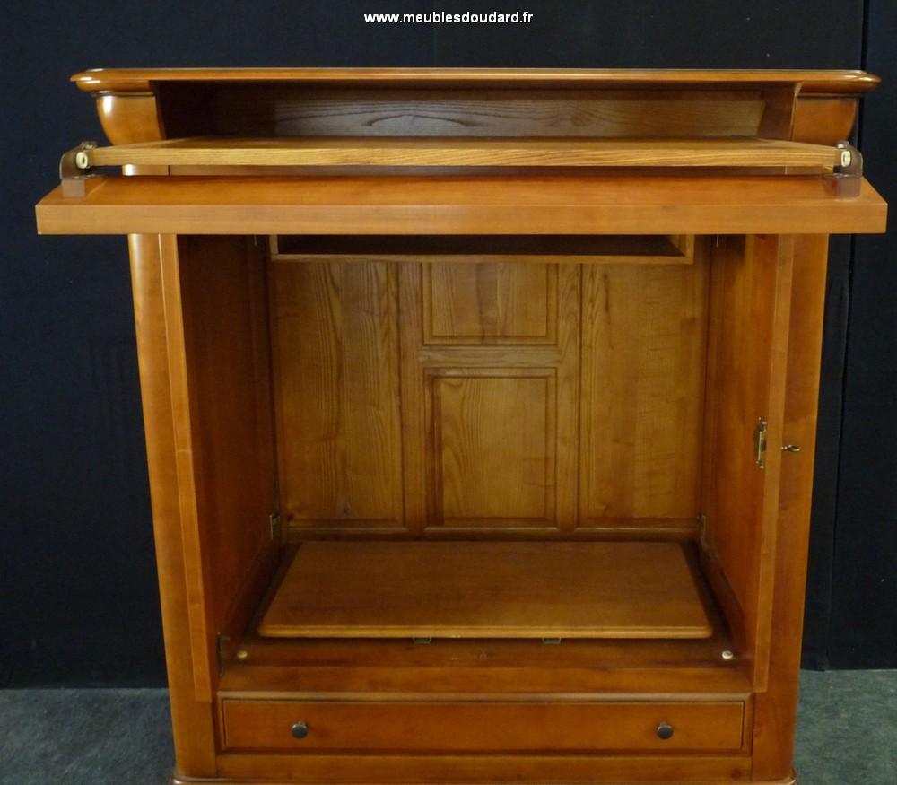 armoire de t l vision louis philippe. Black Bedroom Furniture Sets. Home Design Ideas