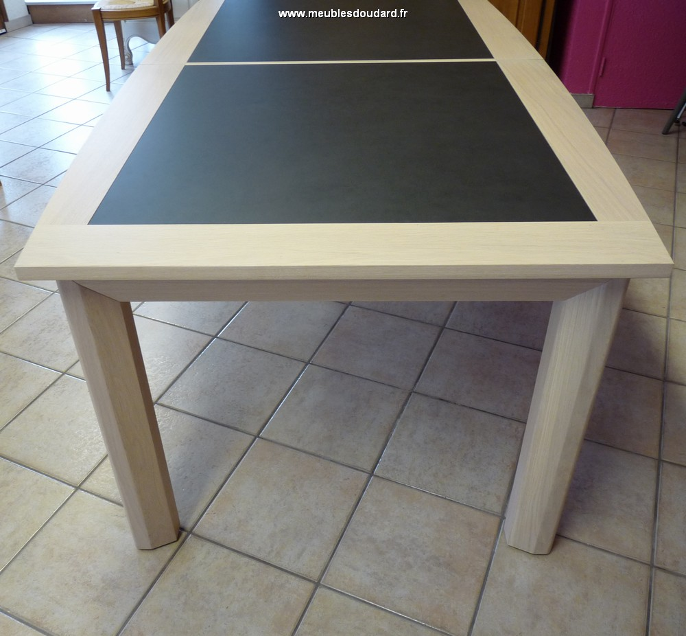 Table Contemporaine En Chene Massif Avec 2 Allonges De 65 Cm