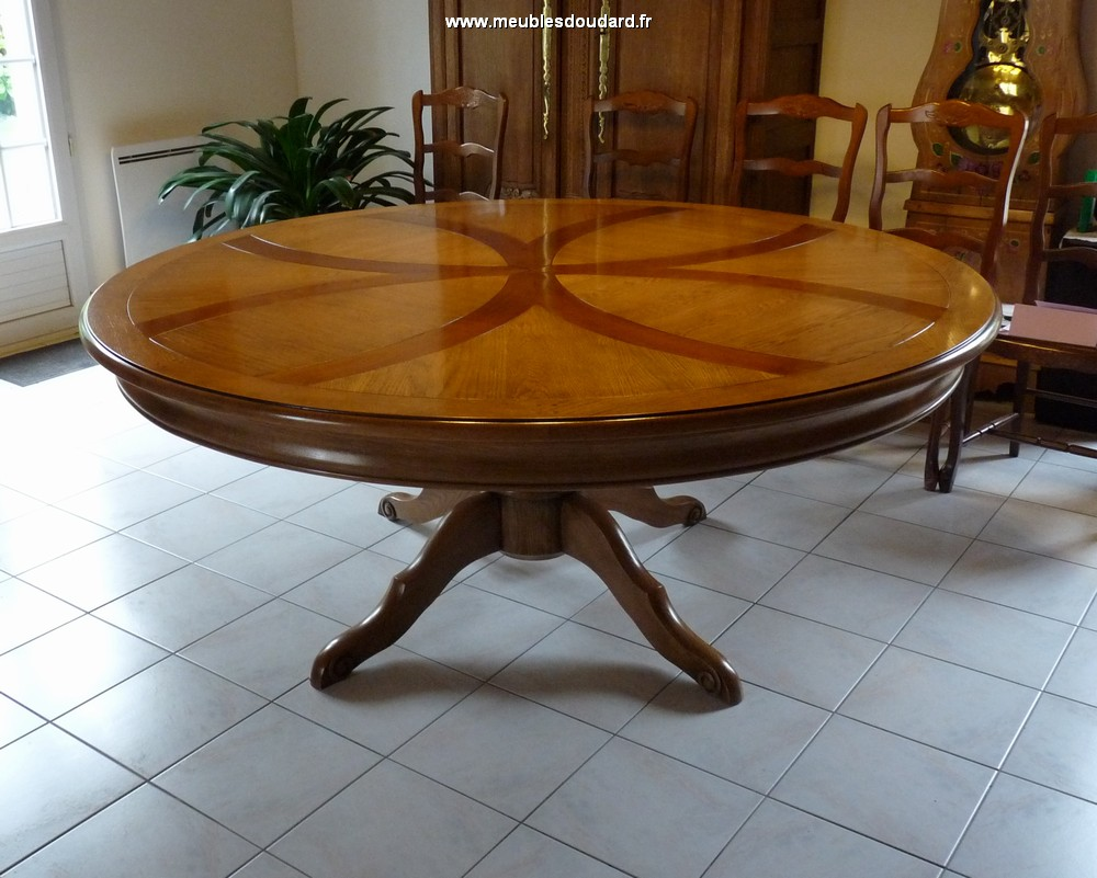 Stunning grande table ronde 8 personnes ideas design for Grande table a manger ronde