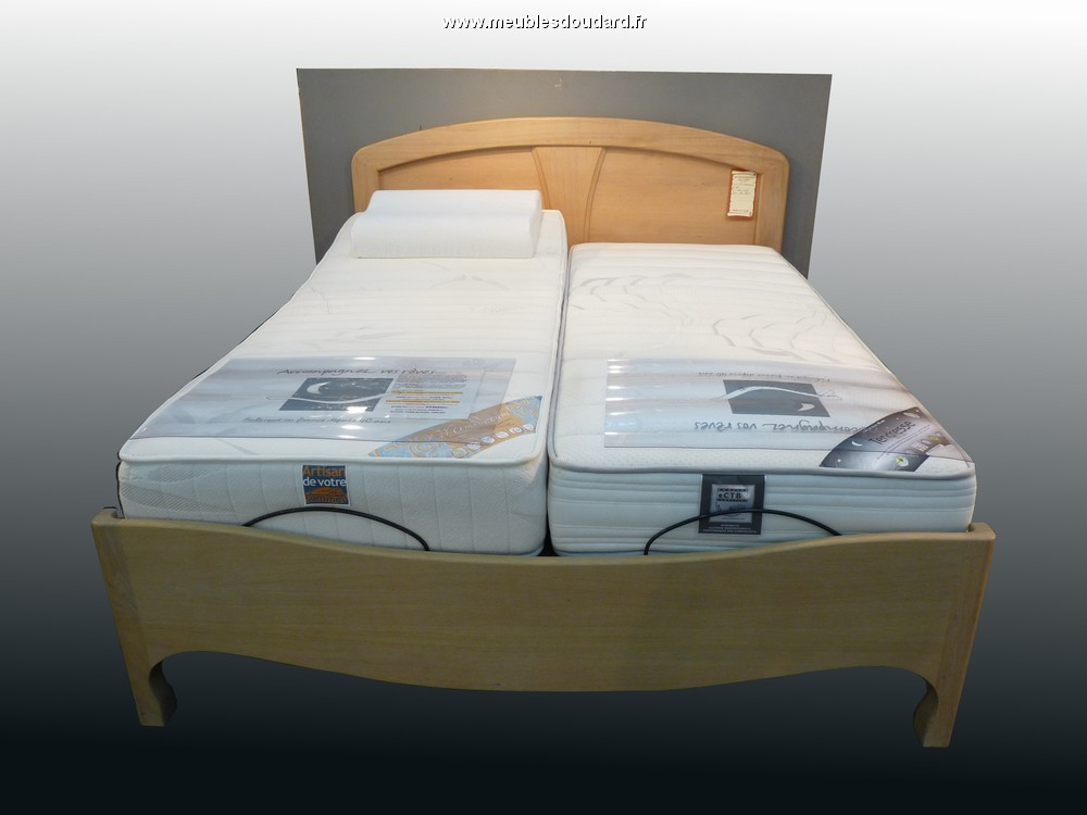 lit moderne en bois massif. Black Bedroom Furniture Sets. Home Design Ideas