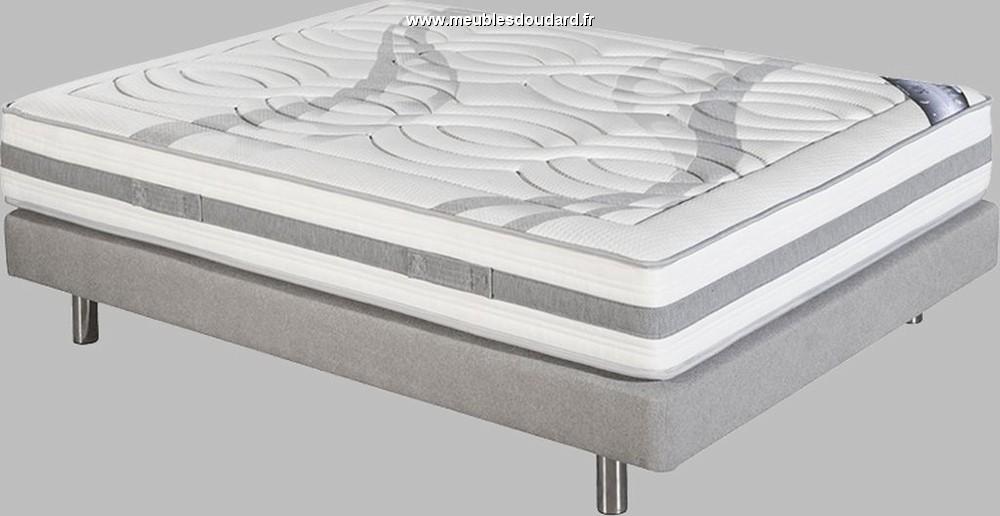 literie avec sommier lattes recouvertes avec matelas ressorts ensach s. Black Bedroom Furniture Sets. Home Design Ideas