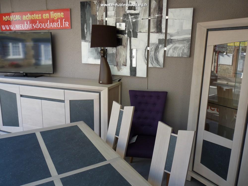 Buffet bas moderne en bois clair bahut contemporain en for Meuble contemporain salle a manger