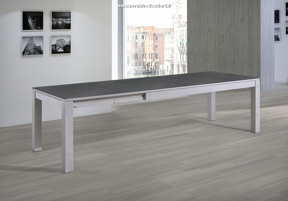 Table moderne plateau c ramique table de salle manger for Table salle manger moderne