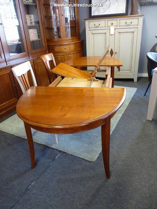 Table ovale merisier massif style Louis Philippe