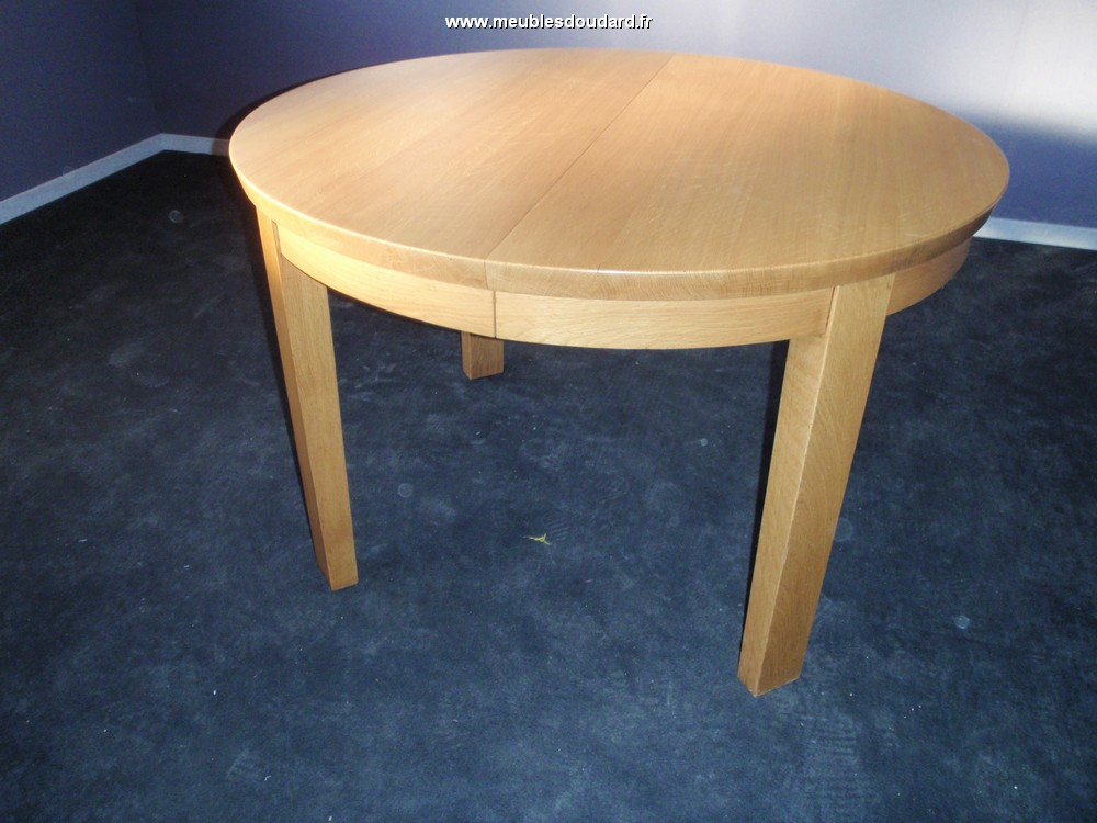 Table ronde moderne avec 4 allonges for Table ronde chene massif avec allonges