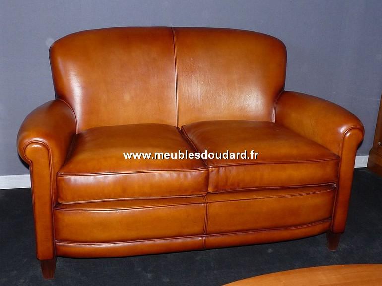 promotion foire de caen sur fauteuils club et canap s club en cuir v ritable. Black Bedroom Furniture Sets. Home Design Ideas
