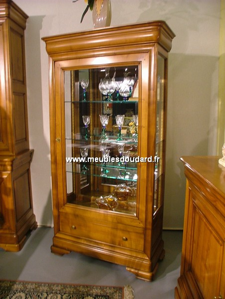 vitrine louis philippe en merisier r f 7000. Black Bedroom Furniture Sets. Home Design Ideas