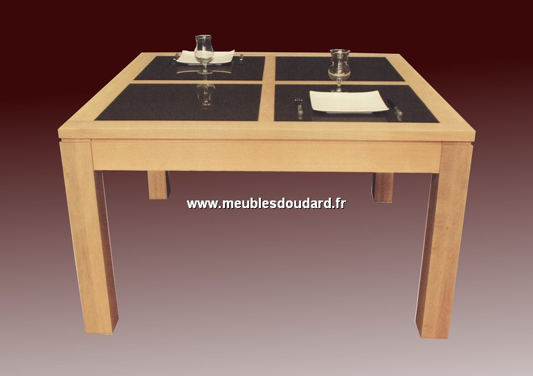 Table carree contemporaine ref oceania ch ne for Table carree contemporaine