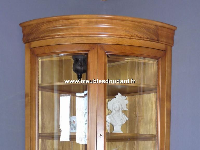 vitrine d 39 angle galb e merisier r f r057. Black Bedroom Furniture Sets. Home Design Ideas